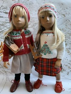Christmas jumper with ear warmer and Christmas cardigan with earflap hat by Zonko Christmas Cardigan, Christmas Jumpers, Smocked Dresses, Sasha Doll, American Doll Clothes, Knitted Dolls, Smock Dress, Ear Warmers, Vintage Dolls
