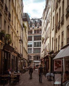 Rue du Nil: A Shopping Street in the 2e Arrondissement, Paris, France
