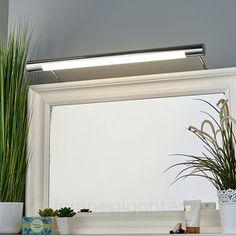Denne badeværelseslampen er lavet til installation over et spejl, hvor det fremkalder en smuk belysning.