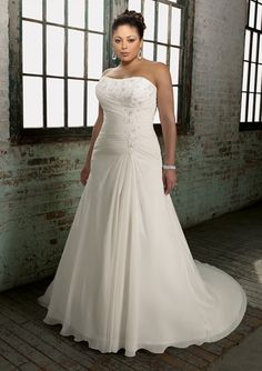 Chiffon Strapless Sheath Plus Size Wedding Dress with Embroidered Lace