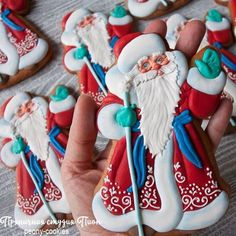 25 Ideas cookies sugar decorated christmas for 2019 Santa Cookies, Christmas Sugar Cookies, Iced Cookies, Christmas Gingerbread, Cute Cookies, Holiday Cookies, Christmas Baking, Summer Cookies, Valentine Cookies