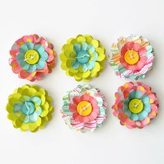 Instead of the common bow. add a layered flower to make your gift unique! These sturdy layered paper flowers have Cute Crafts, Crafts To Make, Crafts For Kids, Arts And Crafts, Diy Crafts, Flower Crafts, Diy Flowers, Fabric Flowers, Scrapbook Paper Crafts