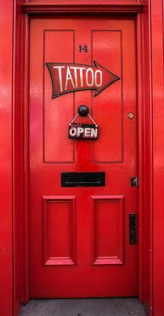 Red door London, England·