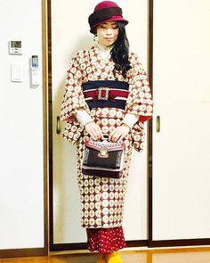 着物×プリーツカートコーデde色選び♪♪ | ☆お着物雑記帳☆~着物deぶらっと♪~ Traditional Japanese Kimono, Traditional Fashion, Kimono Fashion, Fashion Art, Fashion Dresses, Japanese Fashion, Asian Fashion, Modern Kimono, Modernisme