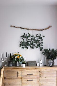 macrame plant hanger+macrame+macrame wall hanging+macrame patterns+macrame projects+macrame diy+macrame knots+macrame plant hanger diy+TWOME I Macrame & Natural Dyer Maker & Educator+MangoAndMore macrame studio Diy Crafts To Do, Large Macrame Wall Hanging, Hanging Plants, Living Room Modern, Boho Decor, Plant Hanger, Decorating Your Home, Wall Decor, Diy Wall