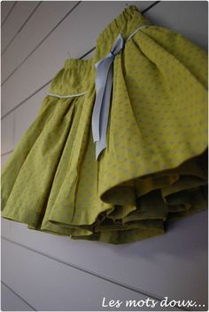Tutu skirt tutorial (after Swan de Papillon et mandarine, however with out tulle! Sewing For Kids, Baby Sewing, Sewing Clothes, Diy Clothes, Fashion Sewing, Kids Fashion, Diy Rock, Diy Tutu, Diy Vetement