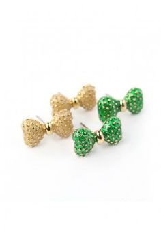 I love bows! Cute Jewelry, Jewelry Accessories, Fashion Accessories, Bow Earrings, Green Earrings, Little Fashionista, Cute Bows, Unique Fashion, Girly Things