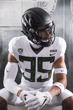 man I love those football jocks College Football Uniforms, Sports Uniforms, Football Outfits, Football Jerseys, Football Players, Football Stuff, Sport Football, Soccer, Oregon Ducks Football
