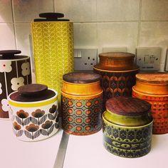 This is just a few of my storage jars, #orlakiely #hornsea #hornseapottery #hornseaengland #hornseaheirloom #hornseasaffron #hornseabronte #pottery #storagejar #vintage #retro #vintageretro #stem #stemprint #english #irish #igdaily #ignation #iguk #kichen #storage #mystuff #collection #collector #hoarder #food