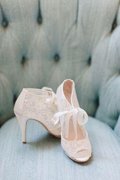 Harriet Wilde wedding shoes / http://www.himisspuff.com/pretty-wedding-shoes/6/