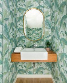 Painting Over Wallpaper, Chic Wallpaper, Modern Wallpaper, Remove Wallpaper, Green Wallpaper, Stripped Wallpaper, Estilo Tropical, Old Towels, Dream Bath