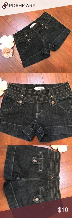Jeans Shorts🌻🌻🌻 Nice dark denim color🌞 stitching is a nice design🌞.      Back pockets🌞 boom boom jeans Shorts Jean Shorts
