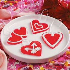 Valentine Candy Hearts - Special Sweets for Valentines Day! Valentine Candy Hearts, Valentine Day Cupcakes, Valentines Day Treats, Diy Valentine, Heart Shaped Cookie Cutter, Cookie Cutters, Thing 1, Hard Candy, Royal Icing