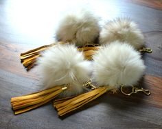 fox fur keychain deerskin tassel keychain fox by PetalleCreations...neeeeeedddd