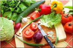 Les légumes : vos alliés à la perte de poids Mais c'est difficile pour certaines personnes d'en manger. Des conseils et idées recettes pour faire le plein de légumes : http://maigrirsansfaim.net/comment-manger-plus-de-legumes-pour-maigrir/