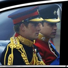 Prince Harry and Prince William ❤️ en route to William's wedding