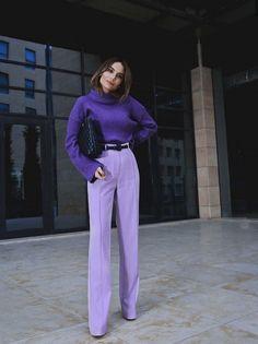 purple wide leg pants and a purple knit sweater, purple outfit, how to wear purple pants, how to wear wide leg pants Purple Outfits, Colourful Outfits, Colorful Fashion, Purple Fashion, Purple Pants Outfit, Purple Sweater, Mode Monochrome, Monochrome Outfit, Monochrome Fashion
