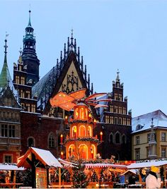 Christmas market at the town hall in Wrocław, Poland Poland Cities, Polish Christmas, Christmas Markets Europe, Holy Roman Empire, Central Europe, Town Hall, Trip Planning, Barcelona Cathedral, Places Ive Been