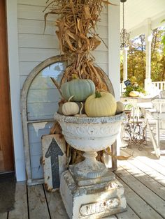 Vintage Fall Porch Idea