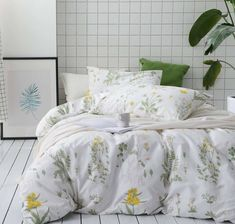 Details on Botanical bedding set, cotton sheets, yellow flowers and green leaves - Cats and Dogs House Bedding Sets Online, King Bedding Sets, Luxury Bedding Sets, Duvet Sets, Duvet Cover Sets, Bed Sets, King Comforter, Cute Duvet Covers, Black Bed Linen