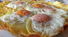 Potatoes with eggs from Agoriani Cookbook Recipes, Dessert Recipes, Cooking Recipes, Brunch, Greek Cooking, Cooking Time, Greek Dishes, Food Decoration, Appetisers