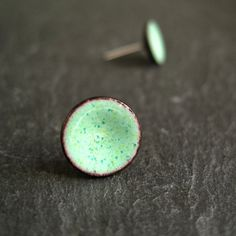Mint Green Stud Earrings enamel earrings door CinnamonJewellery, £19.00