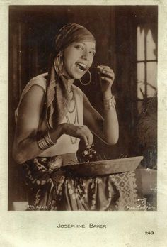 Josephine Baker postcard. http://sydneyflapper.tumblr.com/