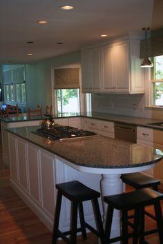 Traditional White Kitchen-Home and Garden Design Ideas