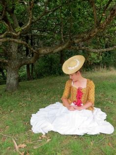 Tutorial: How to turn a straw sunhat into an 18th century bergére, by Leomomi the Dreamstress.