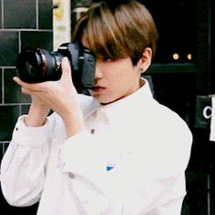 BTS | JUNG KOOK. hes so cute when hes focusing on something