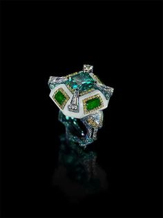 Exceptional emerald ring.