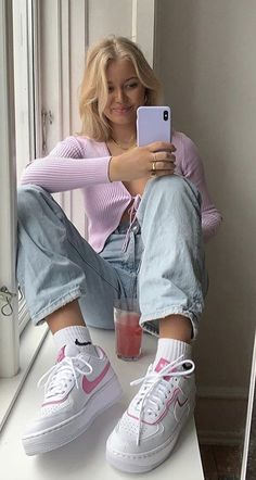 Fashion Tips Outfits .Fashion Tips Outfits Aesthetic Fashion, Aesthetic Clothes, Look Fashion, Teen Fashion, Aesthetic Shoes, Aesthetic Girl, Aesthetic Outfit, Summer Aesthetic, Aesthetic Makeup