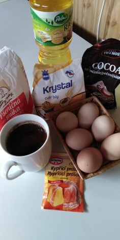 Výborné krémové rezy (fotorecept) - recept | Varecha.sk Krystal, Eggs, Breakfast, Food, Basket, Morning Coffee, Essen, Egg, Meals