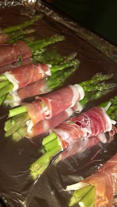 Prosciutto Wrapped Asparagus. Delicious #Paleo #whole30