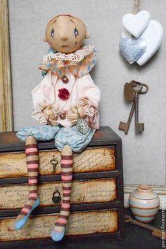 Купить Pierrot - пьеро, грустный мальчик, клоун, текстильная кукла, интерьерная кукла, цирк