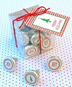 """Merry """"Kissmas"""" gift idea with free printable"""