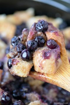Slow Cooker Blueberry Bread Pudding Recipe | thegunnysack.com
