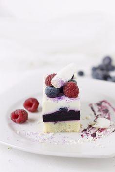 Mascarpone mousse and blueberry cake