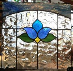 Antique Stained Glass Windows, Stained Glass Quilt, Stained Glass Door, Stained Glass Flowers, Stained Glass Crafts, Stained Glass Panels, Stained Glass Patterns Free, Stained Glass Designs, Glass Wall Art
