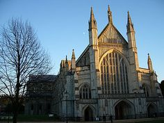 Visit Winchester : tourist guide, photos and sightseeing tours