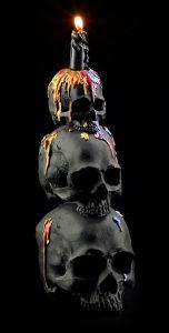 Großer Kerzenhalter - 3 Totenköpfe mit Wachs-Dekor