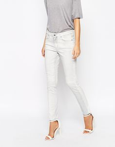 Weekday Tuesday Summer Slim Jeans