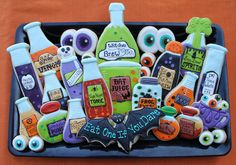 Wicked Potions This Way Come Sugar Cookie Set - Potions (Halloween) Halloween Cookies Decorated, Halloween Sugar Cookies, Halloween Baking, Halloween Goodies, Halloween Desserts, Halloween Cakes, Halloween Treats, Decorated Cookies, Halloween Biscuits