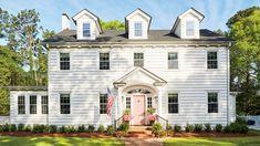 Lindsey Cheek Wilmington, NC Home with Pink Front Door