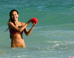 FP-Jessica-Alba-Bikini-6-1024x815.jpg (1024×815)