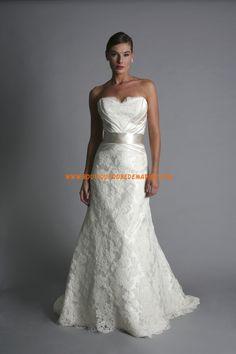 Robe de mariée princesse en dentelle avec ceinture