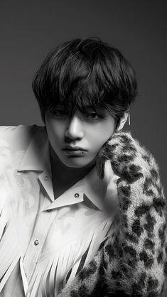 Kim Taehyung BTS Love Yourself:Tear lockscreen Daegu, Jimin, Bts Bangtan Boy, Foto Bts, Taekook, Kpop, Taehyung Photoshoot, V Bts Wallpaper, Bts Wallpaper Iphone Taehyung