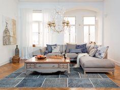 Mit der Eröffnung zweier Domicil Einrichtungshäuser in München und Düsseldorf schlägt die Marke einen neuen Weg ein – langjährige Klassiker treffen auf zeitgemäße Qualitätsmöbel. Für weitere Informationen bitte besuchen Sie: www.proudmag.com