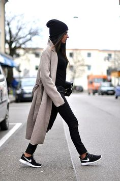 sportymonkey-043 by Mein Strand, via Flickr beanie sneakers coat