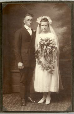 Vintage Antique Young Bride Large Bouquet Groom Wedding Large Cabinet Photo | eBay